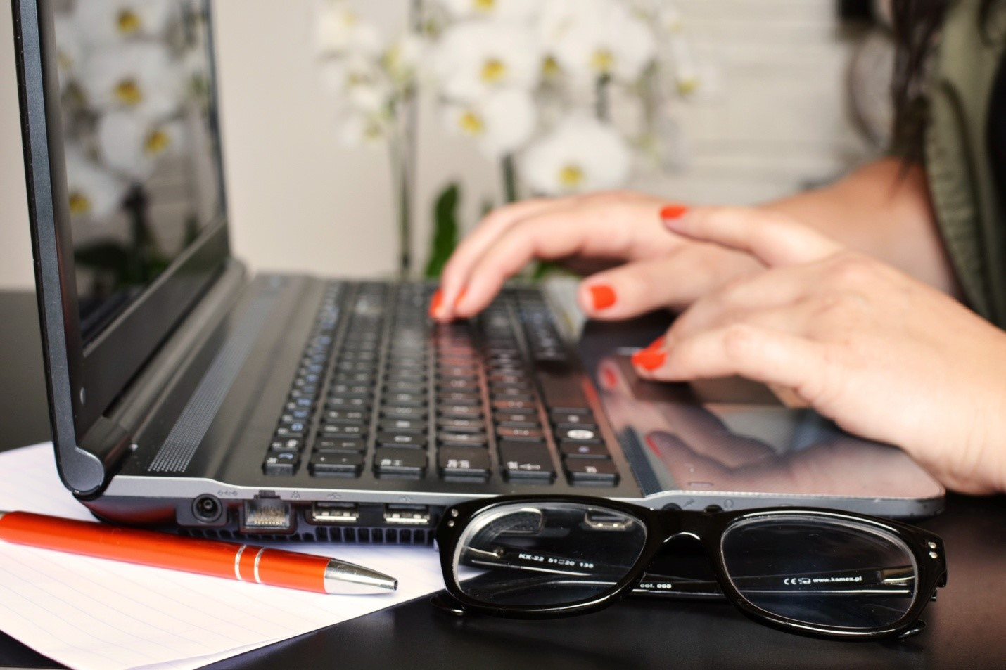 Are You a Student Low on Cash?  Work-from-home Opportunities for You